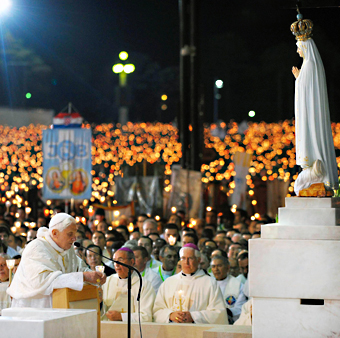 Pope Benedict Kneeling to Mary